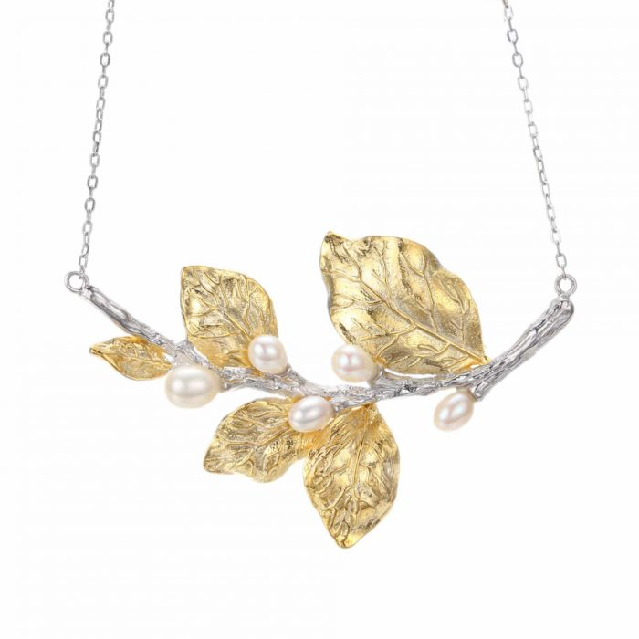 A.Brask - White flower necklace - freshwater pearl